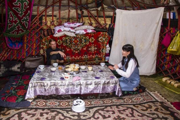 12 obchodni jednani V Jurte Kyrgyzstan