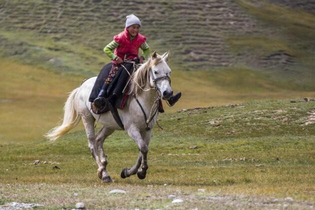 27 Chlapec Kun Kyrgyzstan
