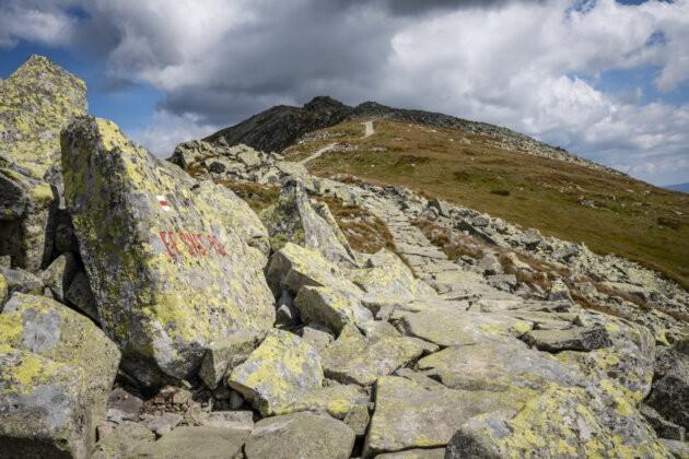Nizke Tatry kamenna stezka na dumbier
