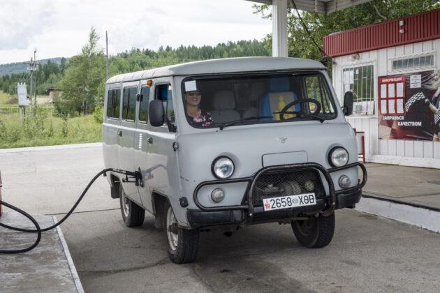 Zoufalá Češka stopuje auto, narazí ale na dva úchyly