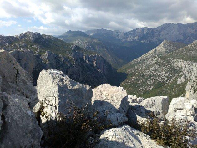 Pohled z Aniča kuk na kaňon Velika Paklenica