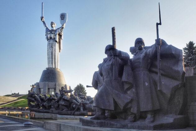 socha matka vlast kyjev