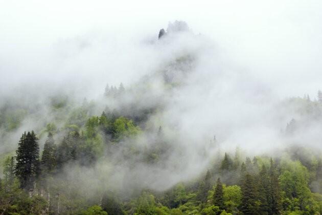 08 Four Sisters Mountains čína