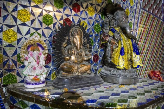 hinduisticky buh ganesa sloni socha v chramu mata