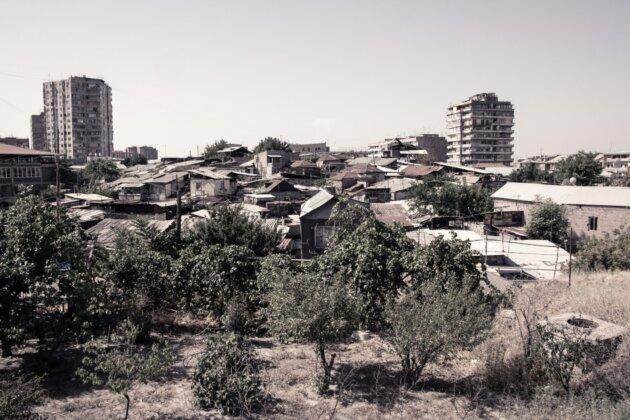 02b Yerevan Rozpadle Domy