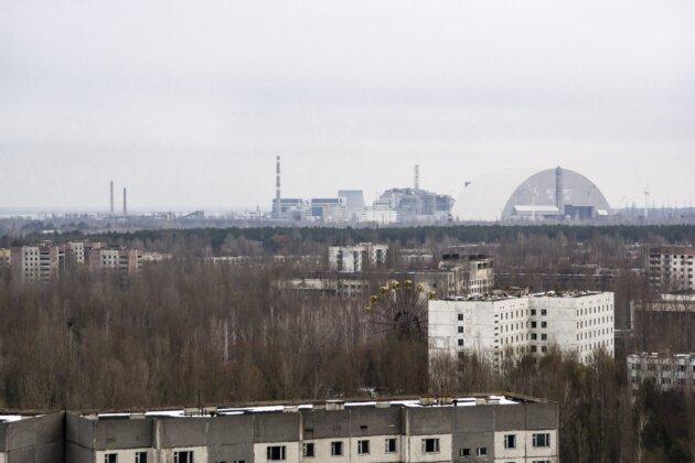 cernobyl elektrarna stary i novy sarkofag