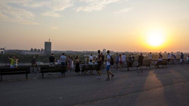 Zapad Slunce Belehrad 2