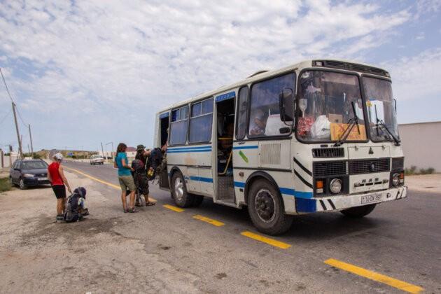 nastupovani do autobusu