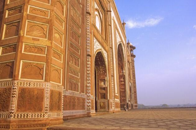 Mesita Tadz Mahal Zalita Sluncem