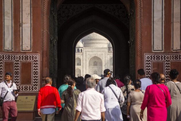 dav ve vstupu na Tadz Mahal
