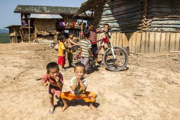 Laos Hrajici Deti