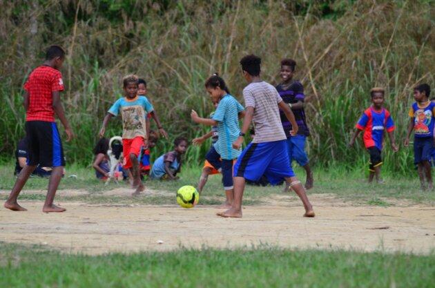 Fotbal V Dzungli cernosske deti