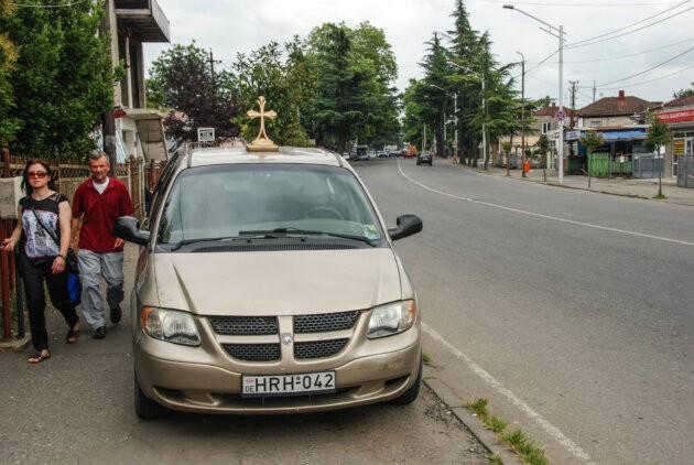 auto s pravoslavnym krizem gruzie