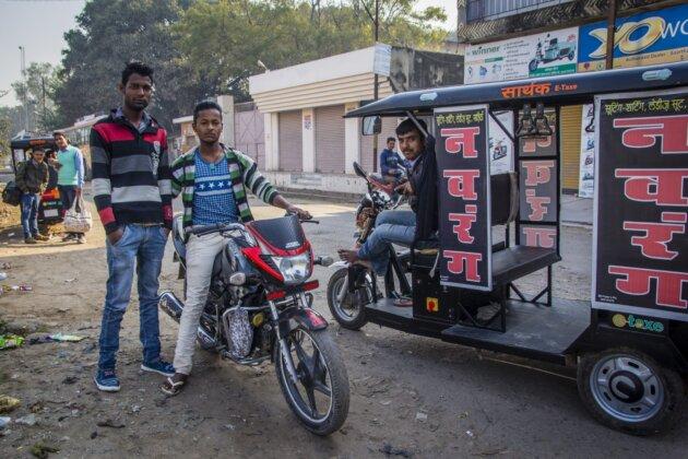 tri indove muzi motorka tuktuk