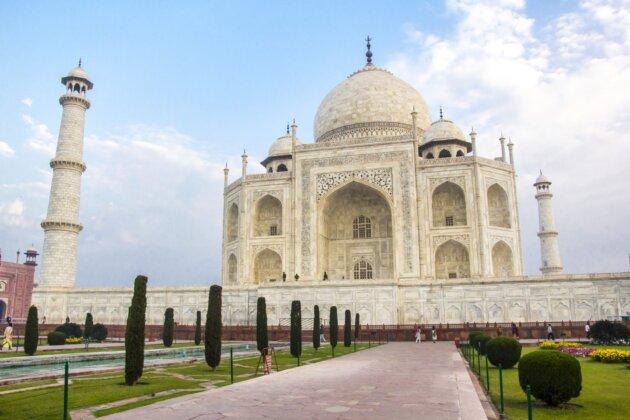 Taj Mahal Agra bily mramor