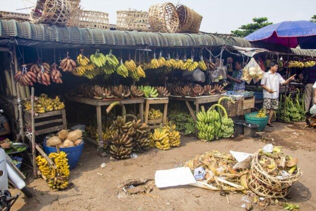 Ruzne Banany trznice