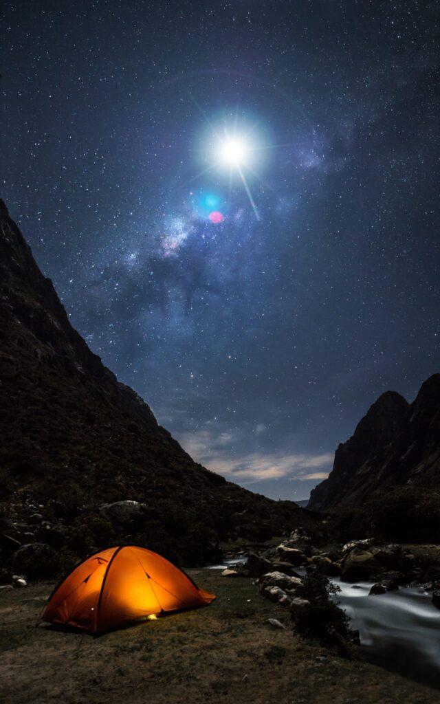 Peru Nocni Obloha Stan mesic